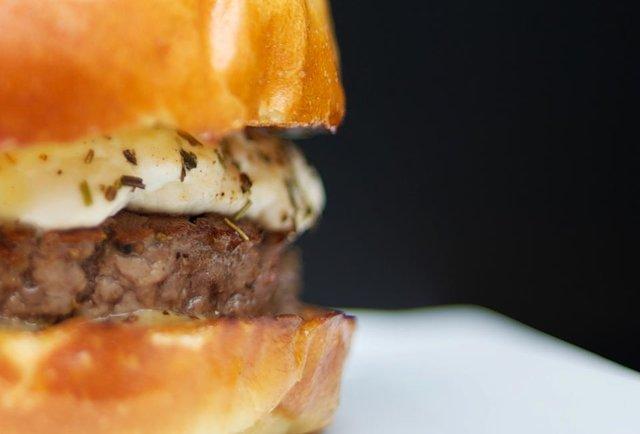 Blend's herb burger