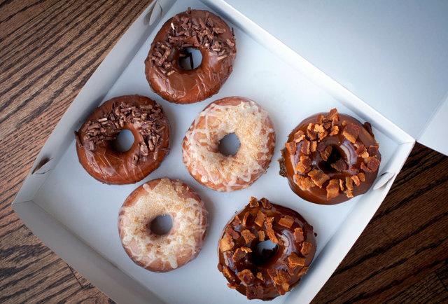 bourbon vanilla donut enoch doughnuts chicago endgrain