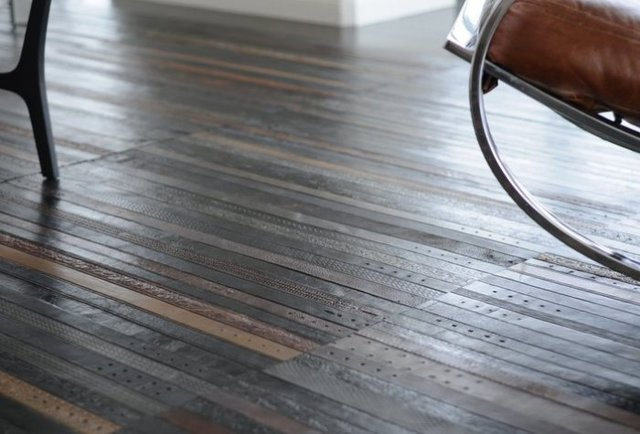 Yes, that floor is made from belts