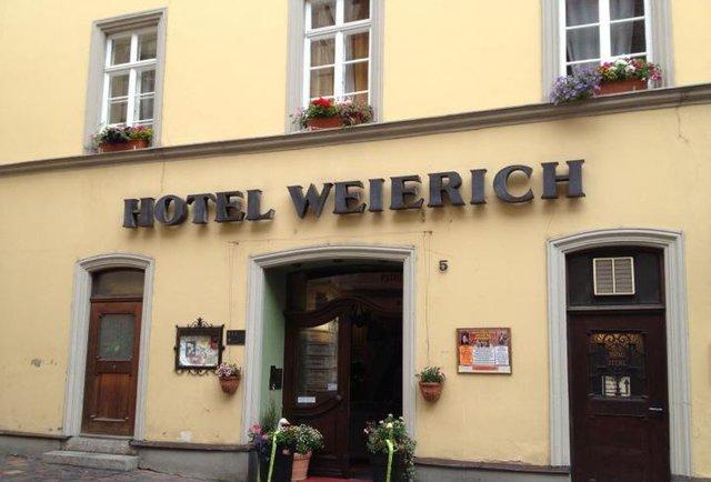 hotel weierich sign