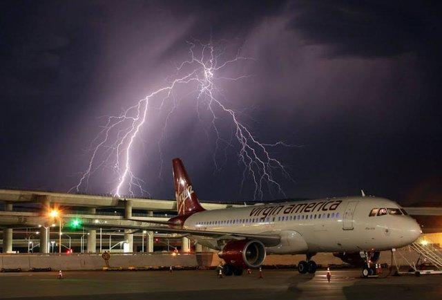 SFO Lightning