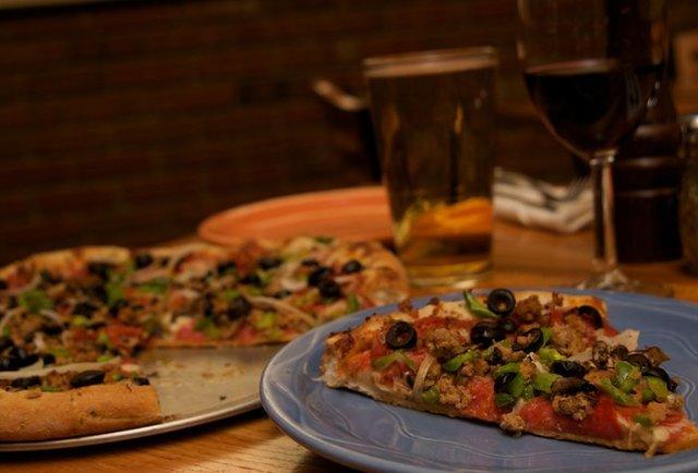 pizza, beer
