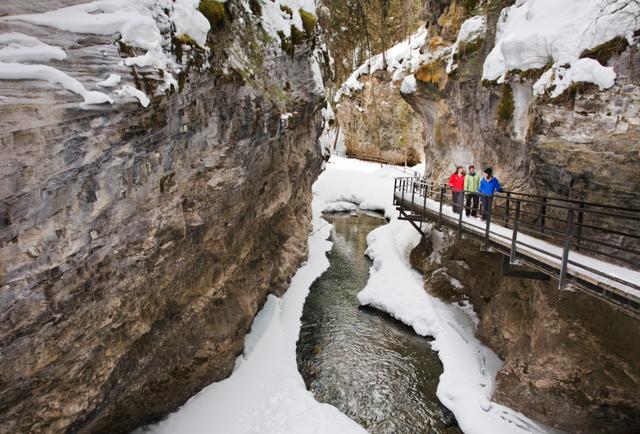 Ice Walking -- Paul Zizka, Banff Lake Louise Tourism
