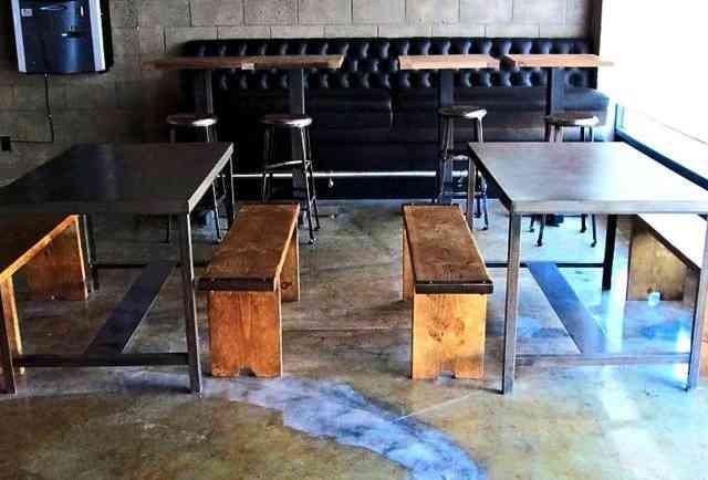 Jay's Bar