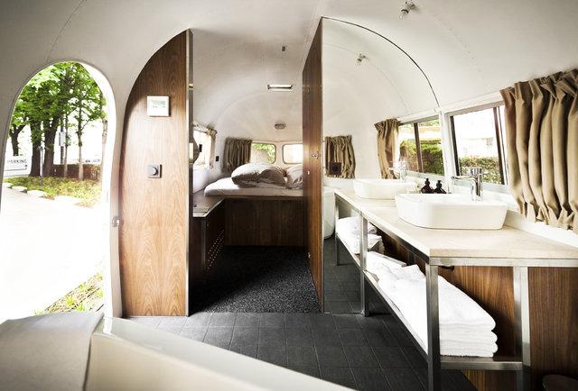 Interior hotel daniel trailer