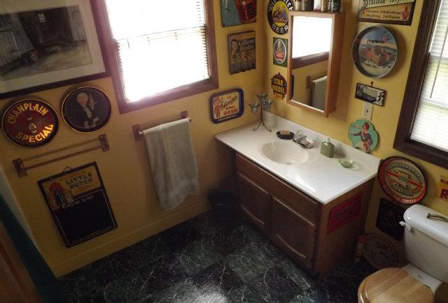 Brewhouse Mountain Eco-Inn Bathroom