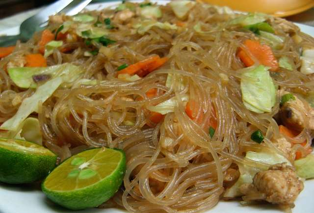 Filipino food for beginners adobo lumpia pancit for Authentic filipino cuisine
