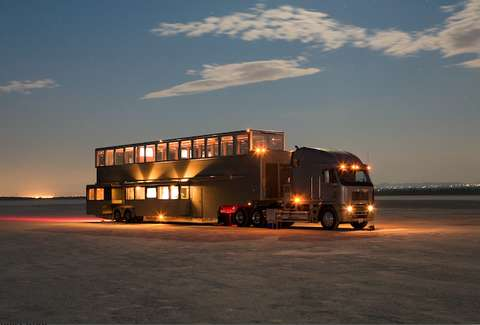 Luxury rv travel like a rockstar in these palatial for Interieur camping car