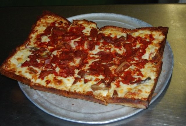 Loui's 10 Best Pizzas in Detroit