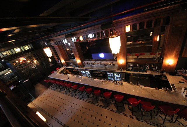 Nyc 39 s 9 best start your night bars thrillist new york for Places to eat near madison square garden