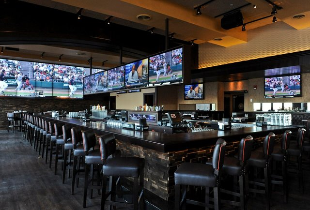the 8 best sports bars in boston thrillist boston