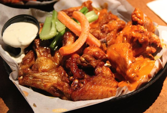 Buffalo Wild Wings, Houston - 39Washington Ave - Restaurant