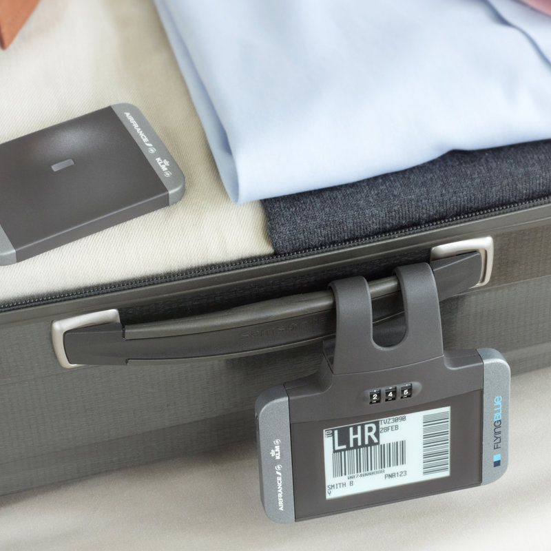 crop down How To Never Lose Your Luggage Again