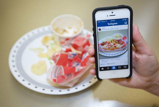 Healthy food porn on facebook