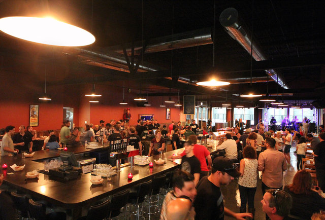 Lagunitas Chicago Craft Beer Tap Room Thrillist Chicago