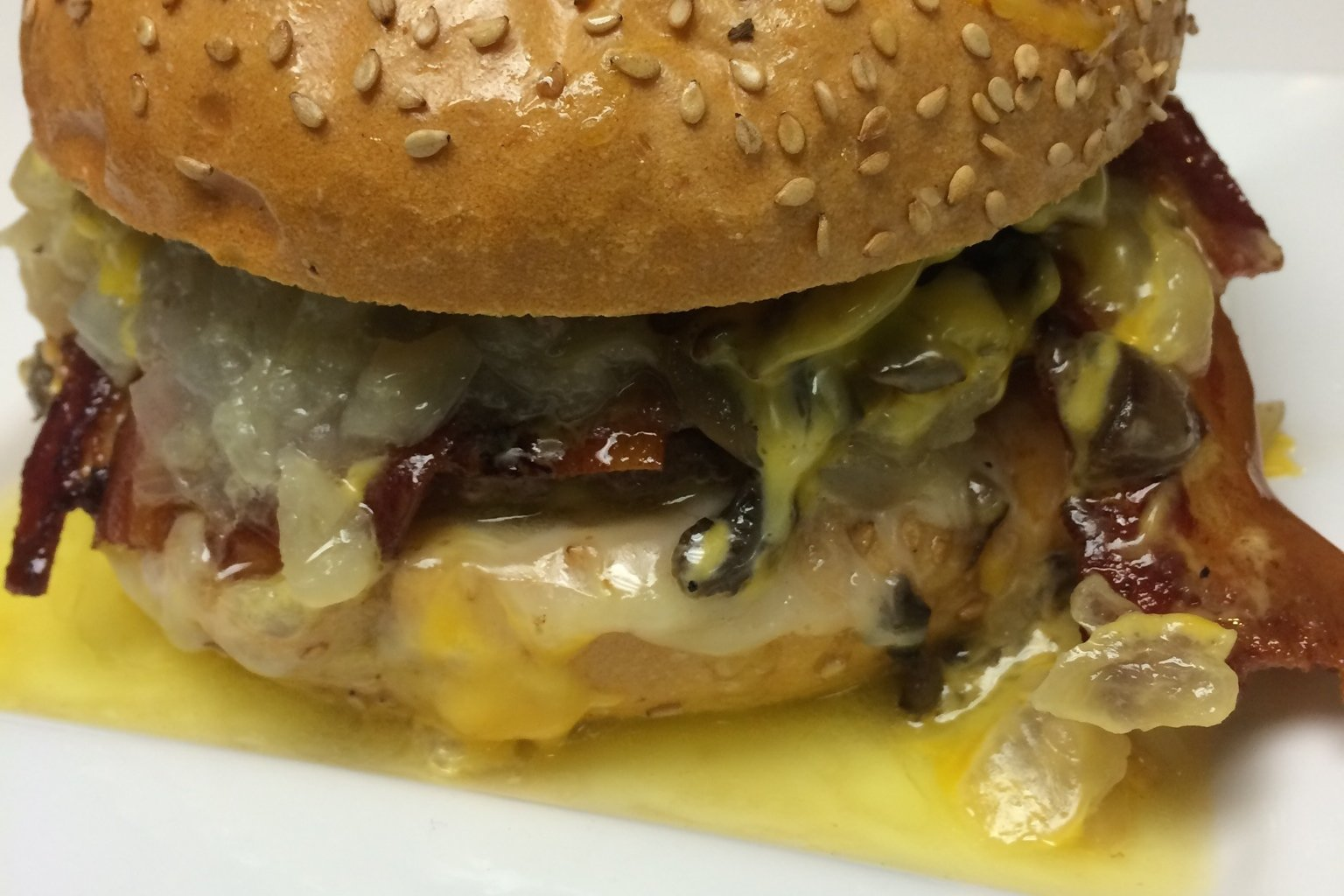 solly's grille burger