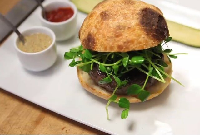 five bistro burger