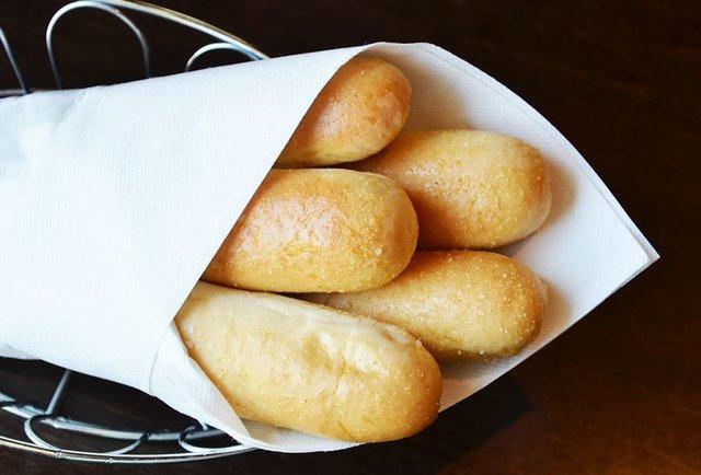 Olive garden breadsticks darden investor wants to limit - Olive garden bailey s crossroads ...