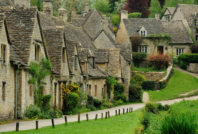 8-beautiful-british-towns-and-villages-not-named-london