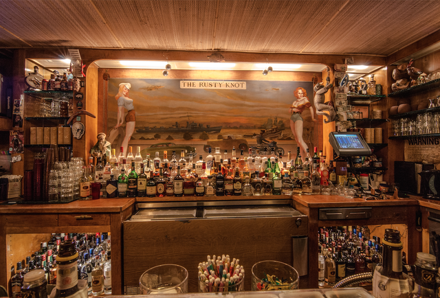 Dive Bar Man Cave : Incredible theme bars in new york