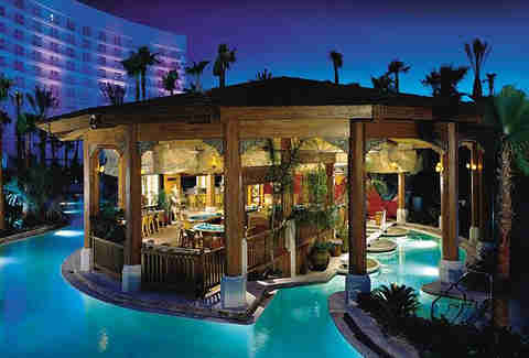 Swim Up Bars In The Us Harrah S The Hilton The Four