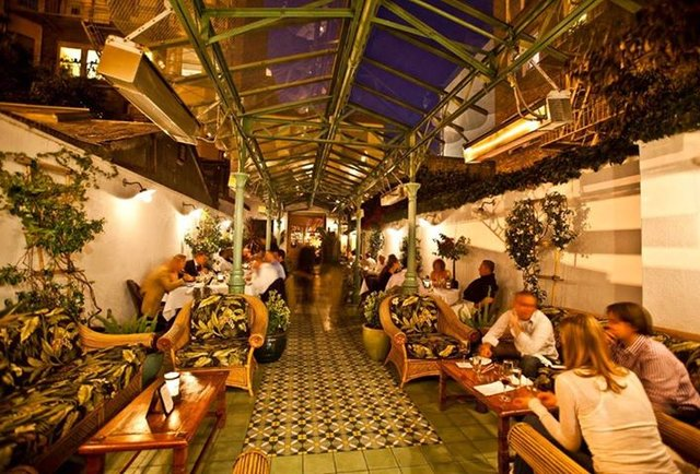 Le Cafe Colonial Restaurant Prague