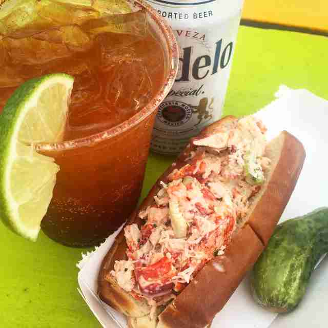 Best NYC Lobster Rolls - The Quest For The Perfect Lobster Roll - Thrillist