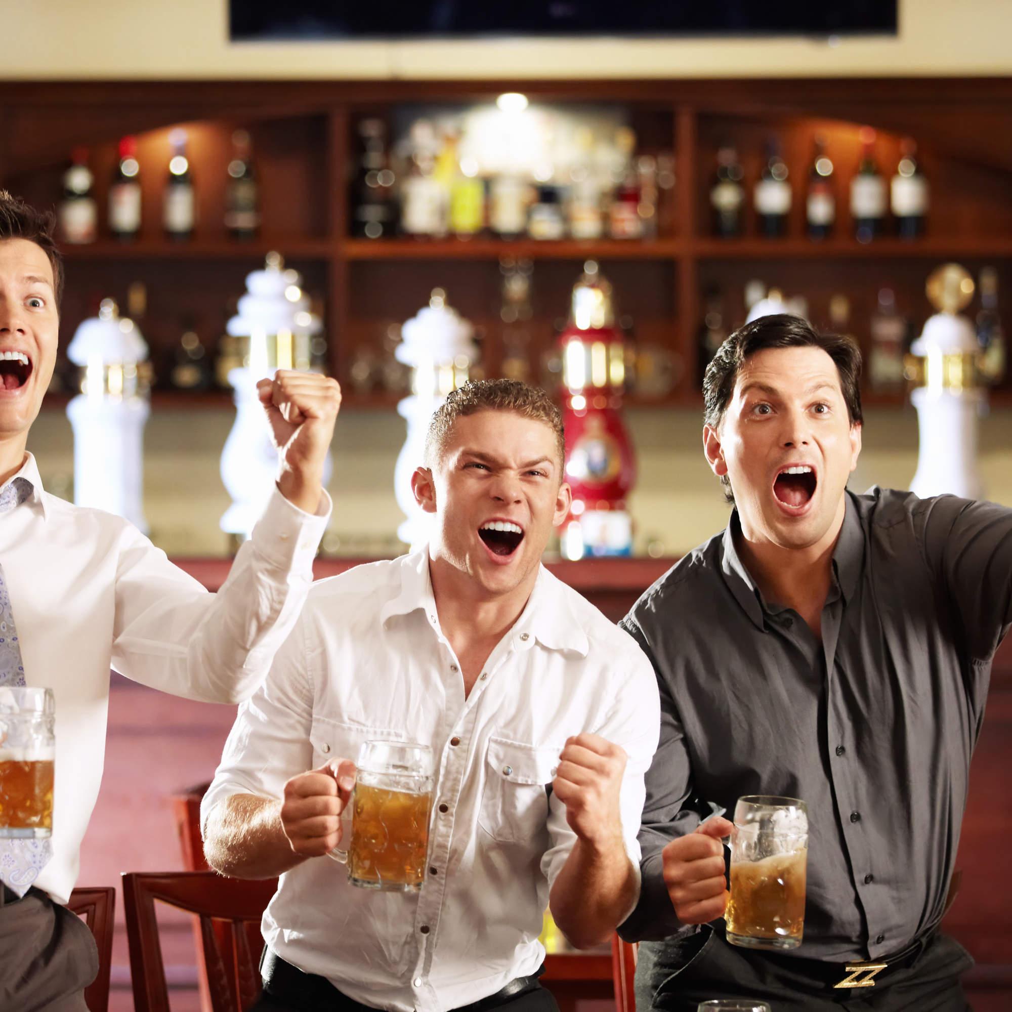 Фото парней у барной стойки 7 фотография