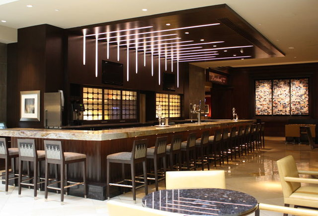 A hotel's birthday present to itself: a new lobby bar
