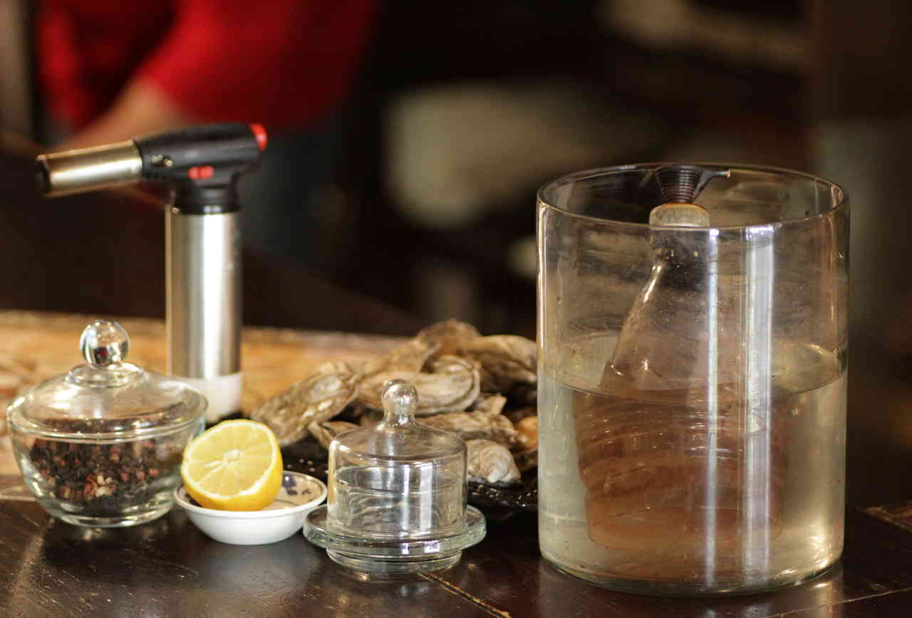 Bong Smoked Oysters - Equipment