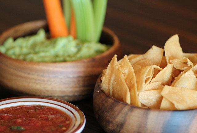 Papagayo's Guacamole & Chips
