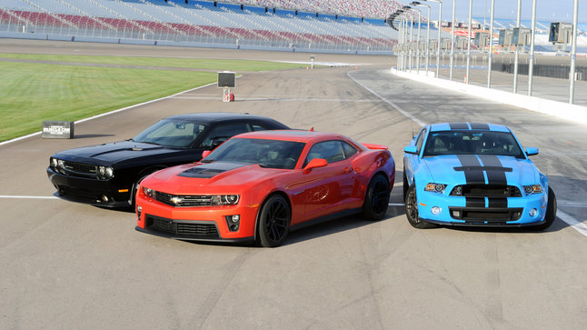 Stats For Dodge Charger Dodge Challenger Srt8 Vs Camaro