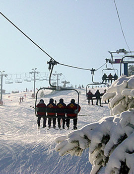 Lake geneva play and stay winter ski weekend package for Weekend in chicago packages