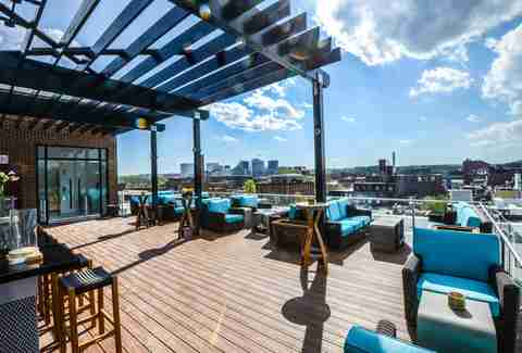 The 7 best rooftop bars in dc thrillist for 1776 i street nw 9th floor washington dc 20006