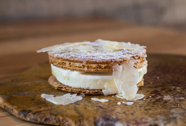 Qui cheddar cheese ice cream sandwich