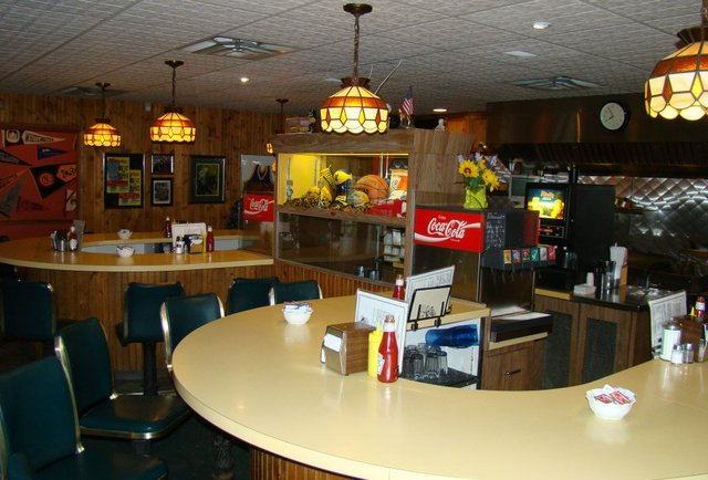 Solly's Grille interior