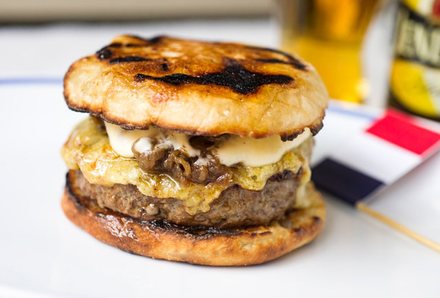 French Onion Burger-Prepare to split your stomach at this all-you-can-eat grilling tournament hosted by Geoffrey Zakarian