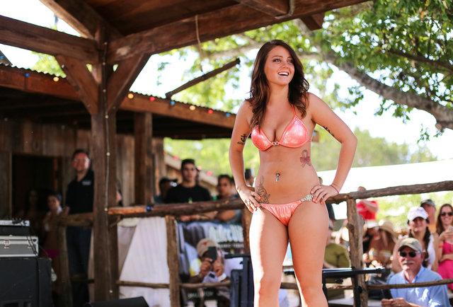 Bikinis contestant