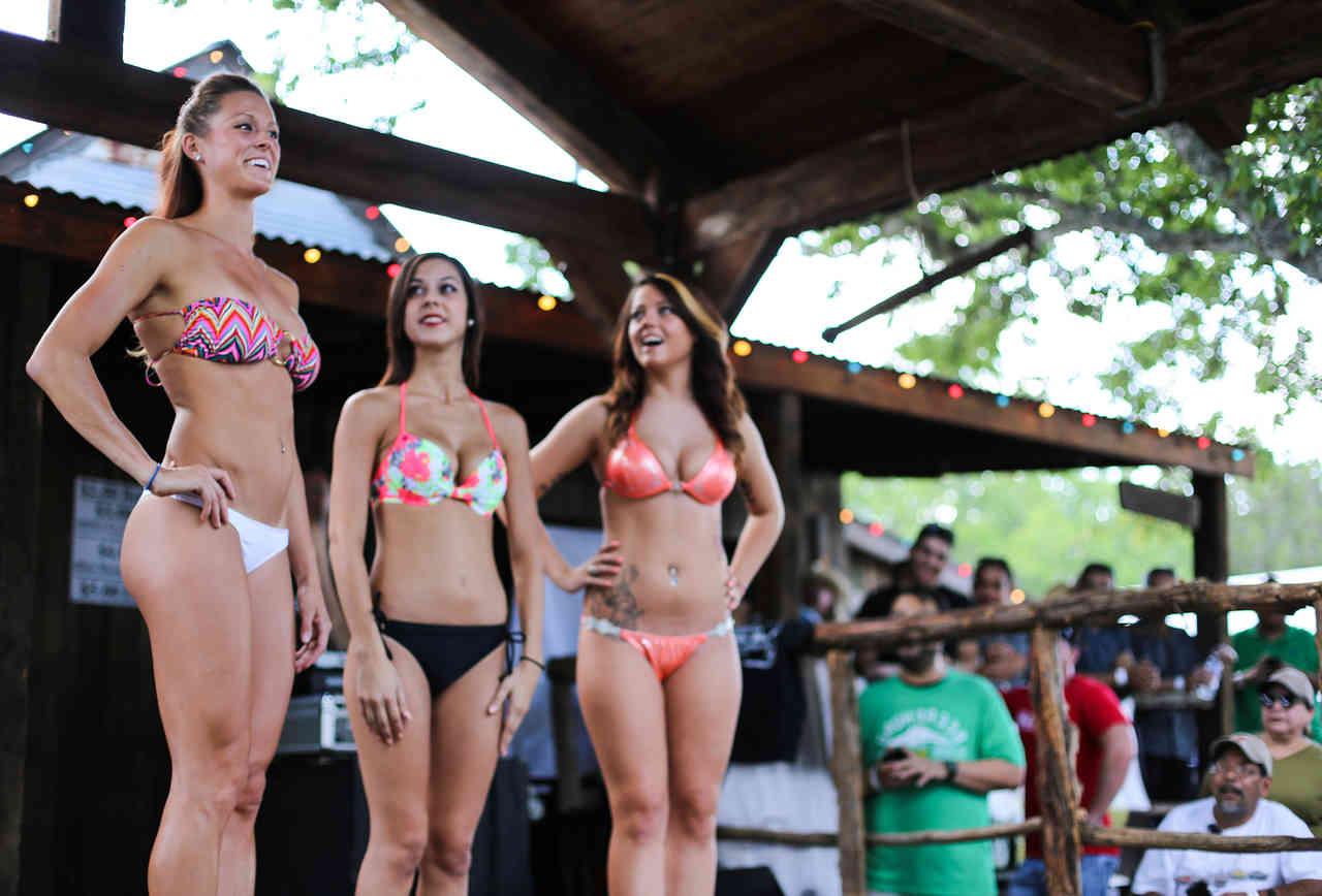 Bikini contest finalists