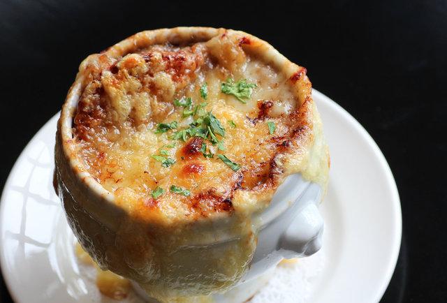 Bearnaise Onion Soup