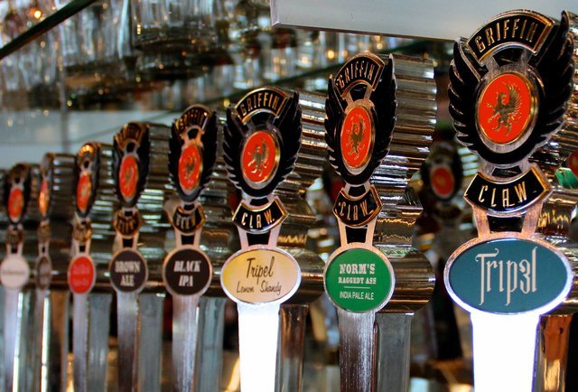 The tap handles at Griffin Claw Brewing Company