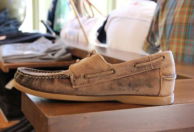 Bed|Stu Uncle Fred Distressed Boat Shoes