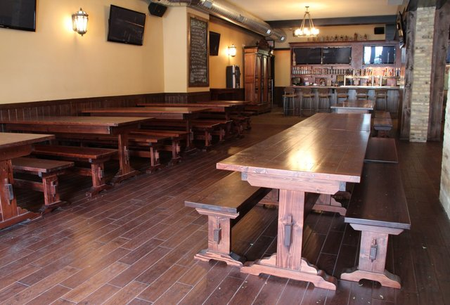 A German beer hall returns to Lincoln Park