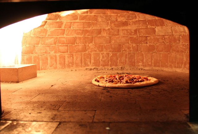 Ottava Via Brick oven pizza