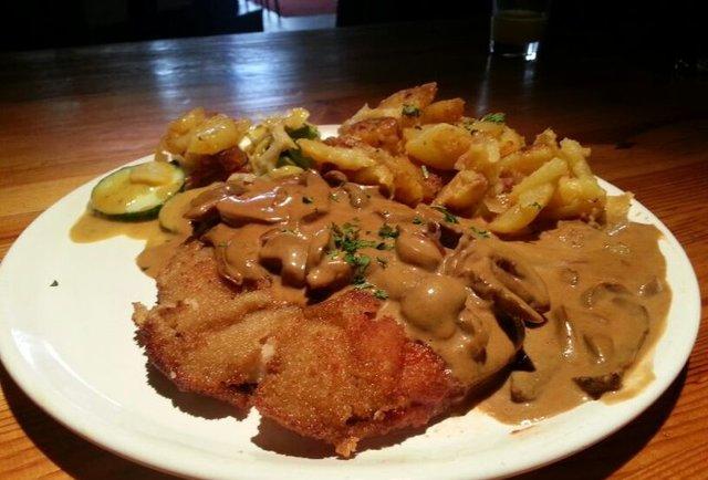 Schnitzel dish from Berliner Marcus Brau
