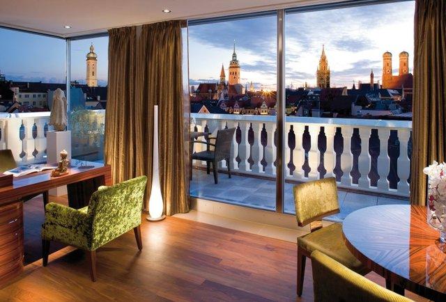 baller hotel room at the mandarin