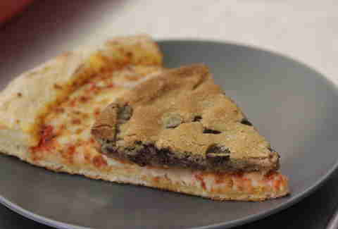papa john's mega chocolate chip cookie pizza