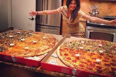world's largest deliverable pizza