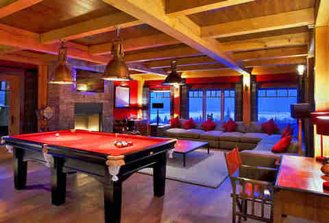 ski lodge gameroom
