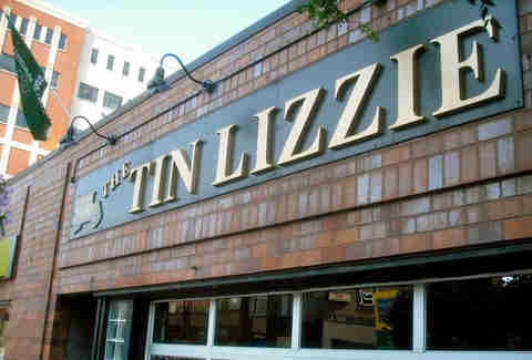 Tin Lizzie in Lincoln Park